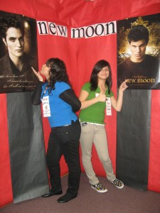 MHSNew Moon Photo Op 041